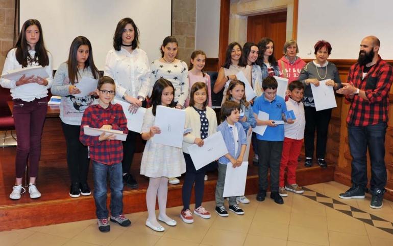 Entregados los premios de los concursos de Marcapáginas y Poesías y Cuentos Breves