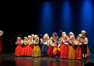 El Teatro Principal acogió la gala de fin de curso de la Escuela de Pandereta de Reinosa