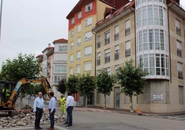 El Consistorio renueva la acera de la calle Ronda