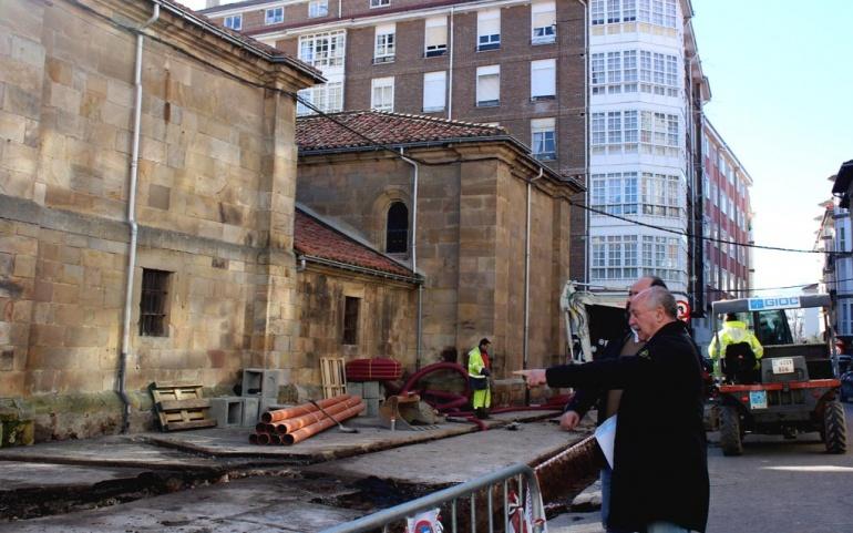 Iniciada la obra de acondicionamiento del entorno de la Iglesia San Sebastián