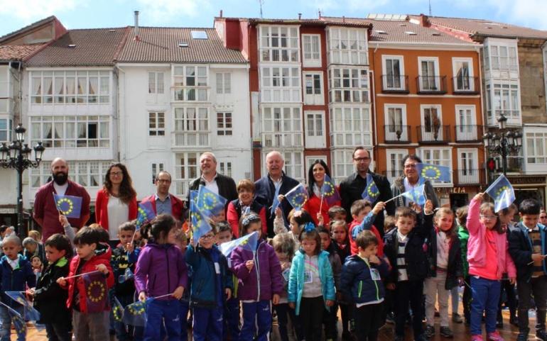 Los escolares reinosanos conmemoran el Día de Europa