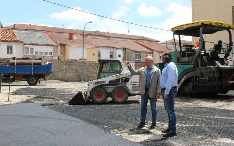 El Ayuntamiento asfalta el barrio de La Florida