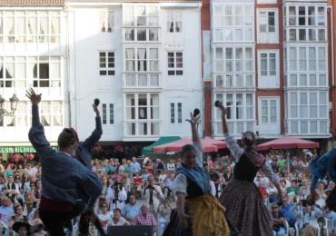 El Mercado Campurriano y la música tradicional vuelven a protagonizar el programa de Santiago