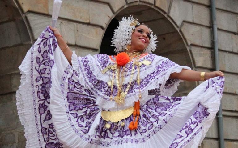 El mejor folclore se dio cita en el XV Mercado Campurriano