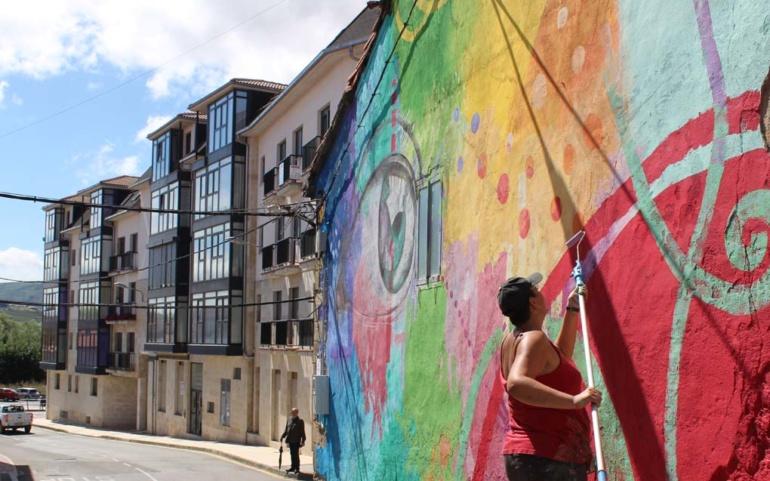 Nuevos artistas dejan su huella en los edificios de Reinosa