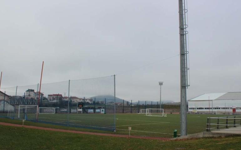 El Ayuntamiento de Reinosa renueva el césped del Campo de Fútbol San Francisco