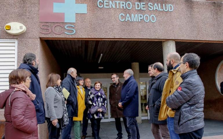 Real visita las obras de mejora y ampliación de servicios en el Centro de Salud y el Hospital Tres Mares
