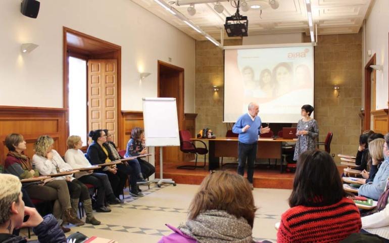 El programa GIRA Mujeres ofrece en Reinosa formación sobre empleabilidad y emprendimiento