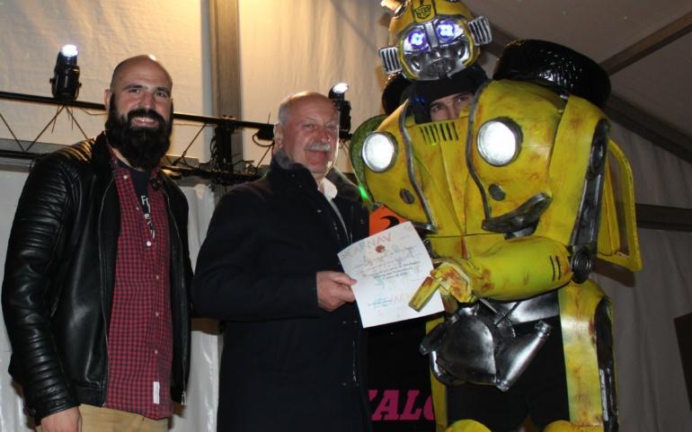 """""""Transformers"""", """"Genio de la lampara maravillosa"""" y """"Crab Queens"""" ganan los primeros premios del Concurso de Disfraces"""