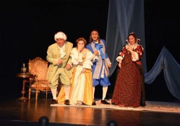 El Certamen Nacional de Teatro para Aficionados apuesta un fin de semana mas por la comedia