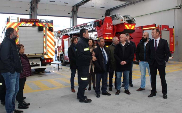 Miguel Angel Revilla visita el Parque de Emergencias de Reinosa