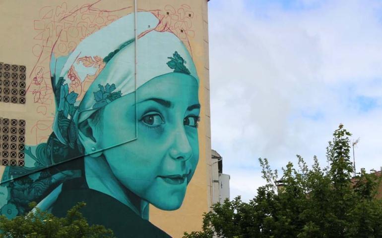 Color y tradición para los nuevos murales del proyecto Galería Vertical