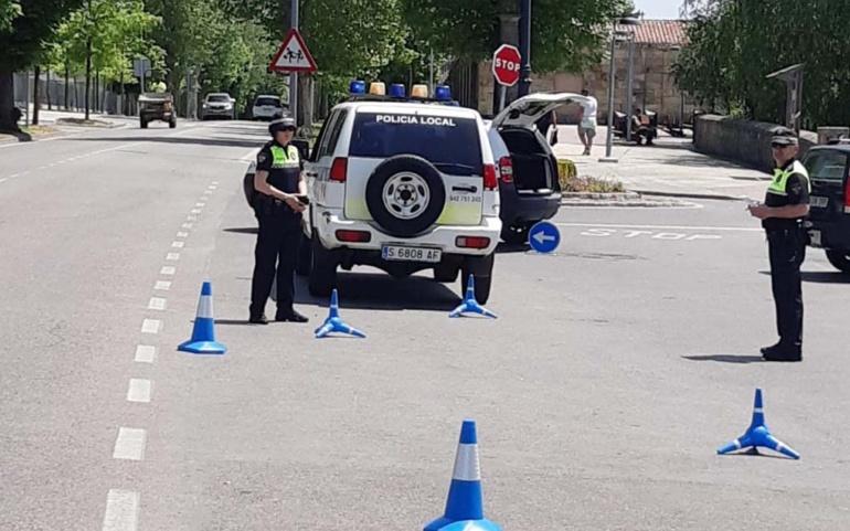 La Policía Local realiza controles de alcohol y drogas al volante