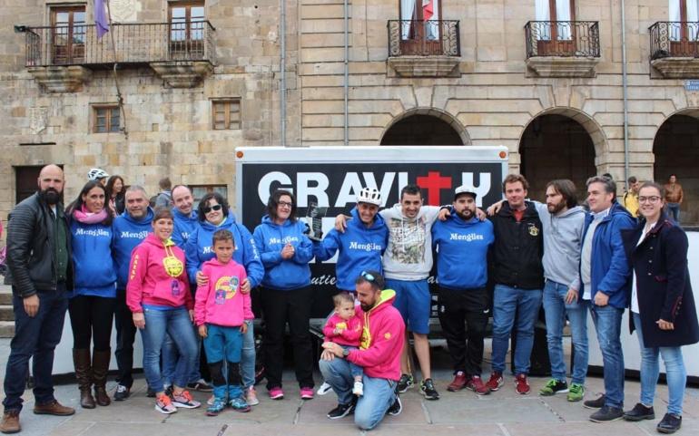 El Ayuntamiento de Reinosa rinde homenaje al campeón de bike trial Raúl Gutiérrez