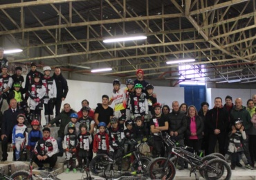 El Ayuntamiento cede en los meses mas fríos El Ferial para que la Escuela de Bike Trial continúe con su actividad