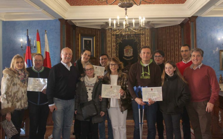 Pinturas Reinosa gana el Concurso de Escaparates organizado por el Ayuntamiento