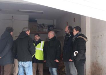 Arquitectos, aparejadores, ingenieros de caminos y obras públicas inspeccionan edificios afectados por las inundaciones