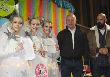 """""""Parchís y oca"""" y """"Remordimiento"""" ganan los principales premios del Carnaval de la Nieve"""