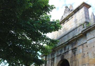 El Ayuntamiento reabre mañana los dos cementerios municipales