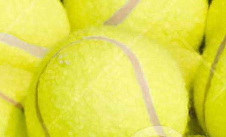 Organizado un curso intensivo de tenis para todas las edades