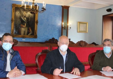 El Ayuntamiento y ACER firman un convenio para impulsar la actividad comercial