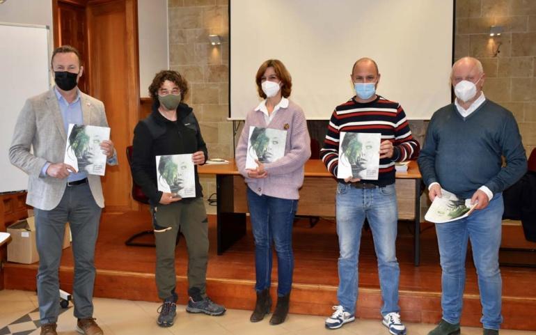 Blanco asiste en Reinosa a la presentación del libro 'Paisajes de Cantabria: un geógrafo, un paisaje'