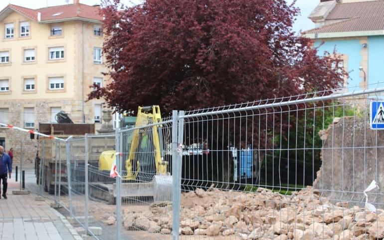 Iniciada la construcción del vial de doble dirección que comunica la Calle San Roque con la Fuente de La Aurora