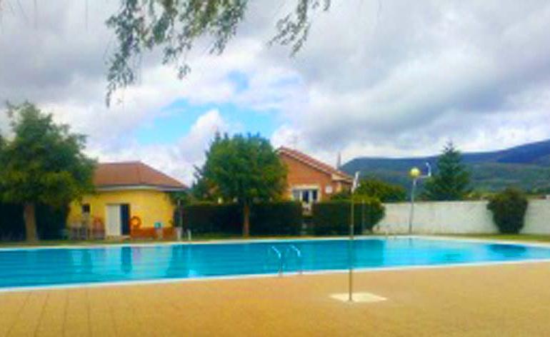 Cursos de natación en las piscinas descubiertas