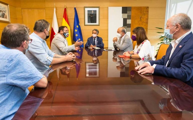 El Gobierno creará un grupo de trabajo para buscar una solución a Forjas de Cantabria